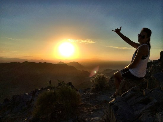 Piestewa Peak: So you say the Stairmaster is boring?  This hike was all about that bass!