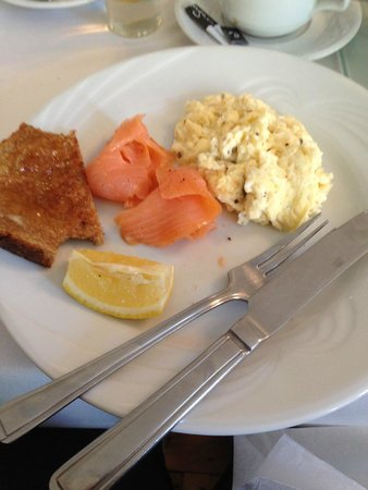St.Bernards Guesthouse: Breakfast - half eaten before I remembered to take a pic.