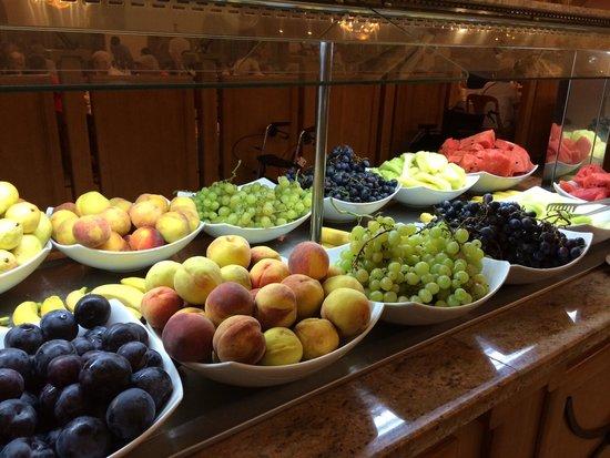 DIT Majestic Beach Resort : Fresh fruit selection.