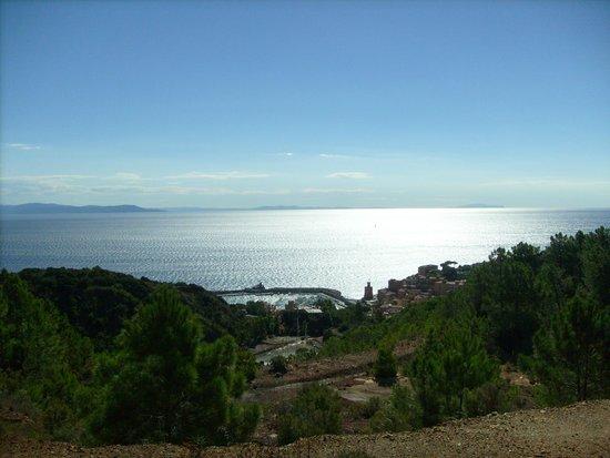 Parco Minerario dell'Isola d'Elba : Vista durante viaggio con il trenino (porto Rio Marina)