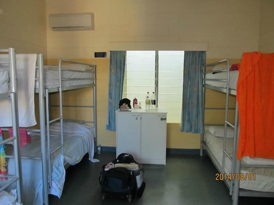 Cairns Central YHA Backpackers Hostel : 室内FEMALE 6BED ROOM