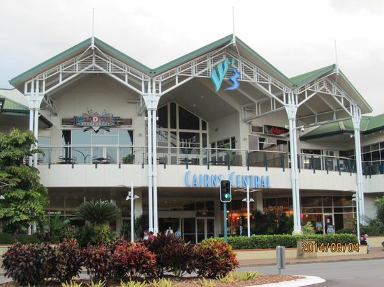 Cairns Central YHA Backpackers Hostel: ケアセン向かいです