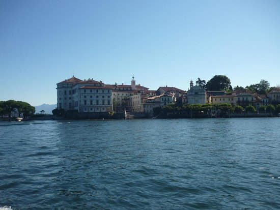 Villa Toscanini: View of Isola Madre and it's museum and botanical garden. this view is from Isola dei Pescatori