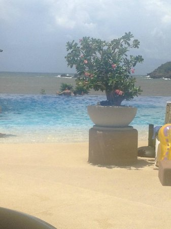 Azul Ixtapa Beach Resort & Convention Center: Alberca infinity grand
