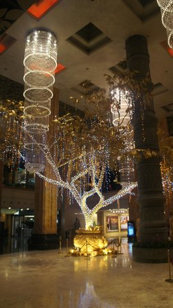 NagaWorld Hotel & Entertainment Complex : Lobby