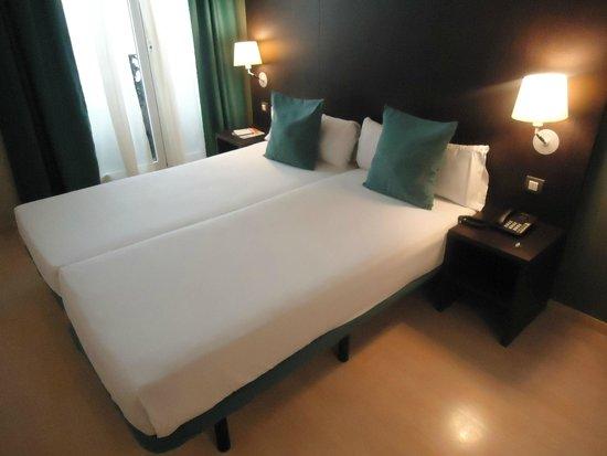 Oriente Atiram: cama do quarto