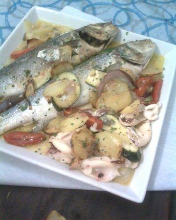 Si e No: branzini con patate e verdure