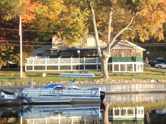 Emerald Point Restaurant Fall O The Lake