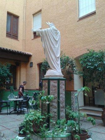 Hostal Loreto: Patio