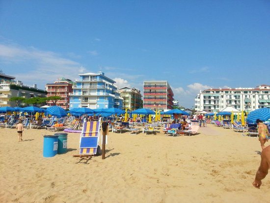 Hotel Kennedy: Hotel beach
