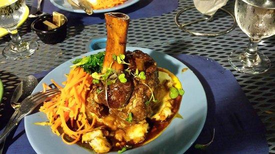 Blue Moose Restaurant & Cafe: Braised pork shank