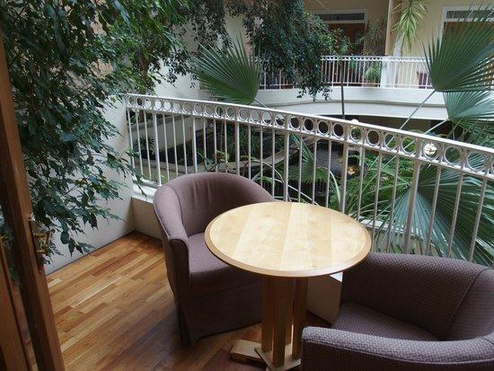 Sefton Hotel: Balcony
