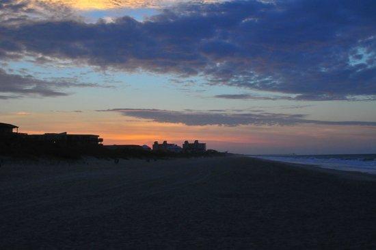 Pebble Beach Condominiums: Sunrise