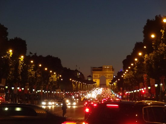 Unique Paris Private Tours : Paris at night