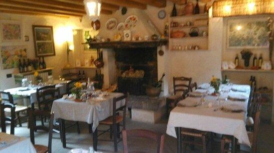 Sala Da Pranzo Con Camino Foto Di Agriturismo Ca Vecchia