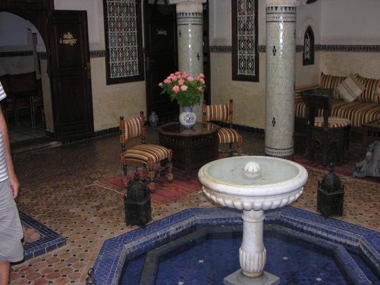 Riad Dar Al Kounouz: cour intérieure du RYAD