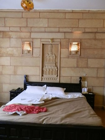 Hotel Lalgarh Fort & Palace: Bedroom