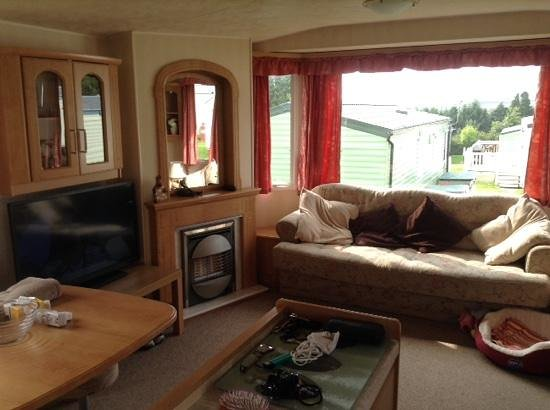 Parkdean - Looe Bay Holiday Park: The living area in our privately rented caravan
