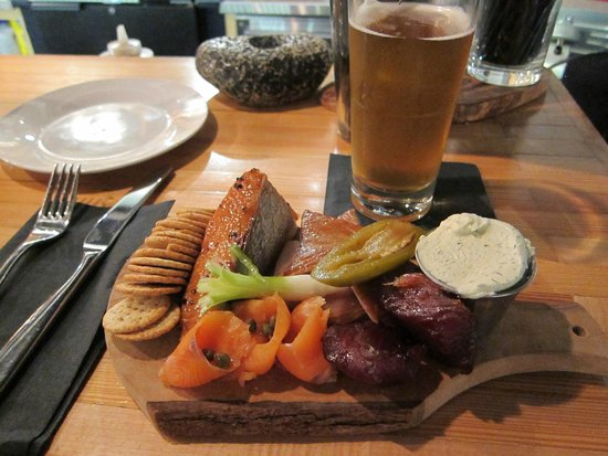 The Fish Store and Oyster Bar : Seafood Platter