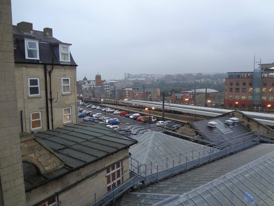 Royal Station Hotel : As you can see...really overlooks the station!