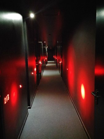 Hotel Acta Mimic: Hallways