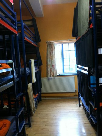 London Backpackers : 12-Bed Girls Dorm