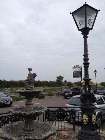 The Harbour Inn: Looking towards the beach