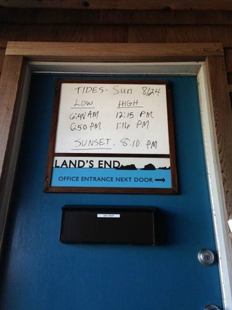 Land's End at Cannon Beach: Office door