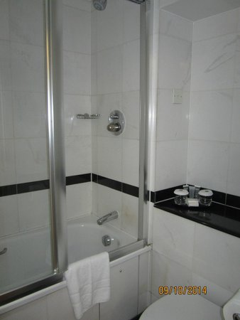 Grange Clarendon Hotel: Bathroom