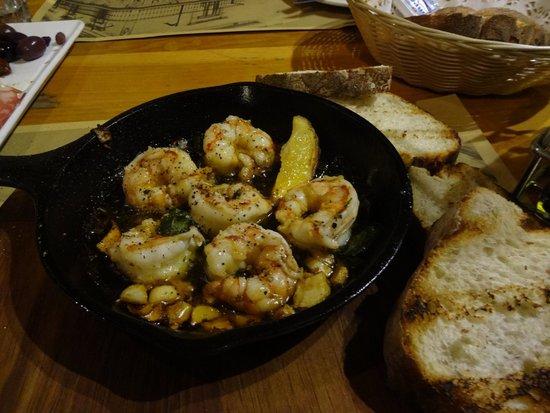 D`Bar Cafe Restaurant : Chilli Sizzling Prawns