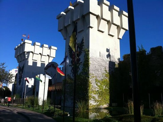 Medieval Times Dinner & Tournament: Castle