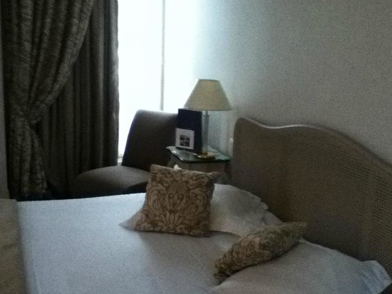 Hotel Champs-Elysees Friedland by HappyCulture : King bed