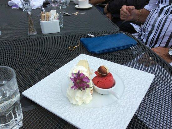 Gray Monk Estate Winery : Dessert
