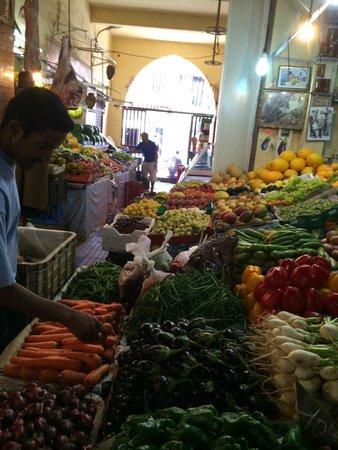Domaine Rosaroum : visite au marché de marrakech