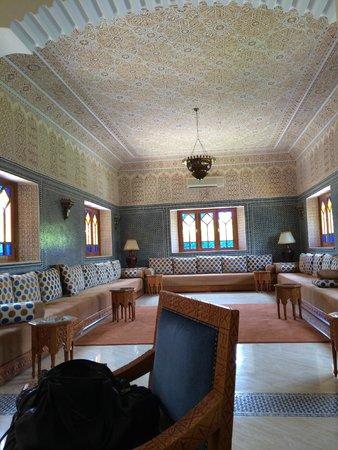 Domaine Rosaroum: salon marocain