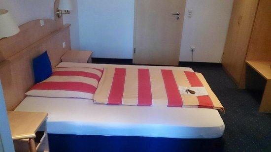 Obernburg, Alemania: Big bed
