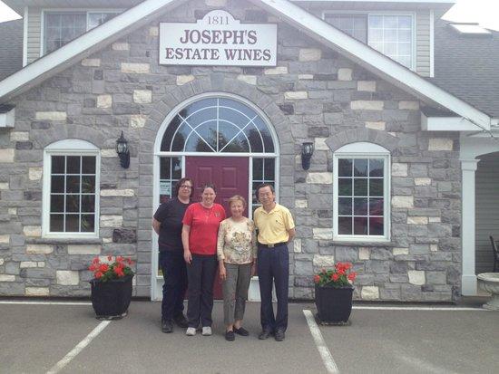 Joseph's Estate Wines: Friendly staff
