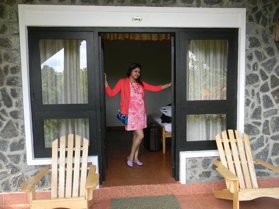Hotel Treetop: Entrance of the room