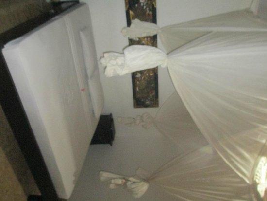 Gili Eden Hotel: Bed