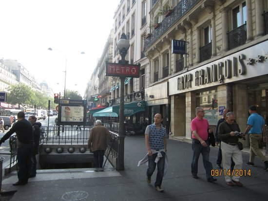 TRYP Paris Opera Hotel: Front of Hotel