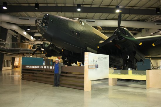 National Air Force Museum >> Halifax Bomber Picture Of National Air Force Museum Of Canada