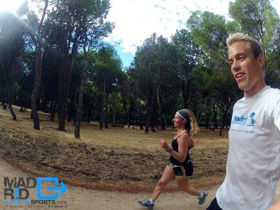Madrid Outdoor Sports: running through casa de campo