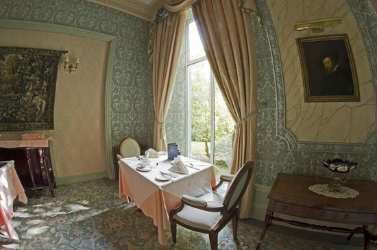 Tre-Ysgawen Hall, Country House Hotel and Spa : Dining