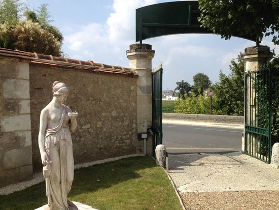 Entrance to Hotel Le Manoir les Minimes - just across the street from the river in Amboise Franc