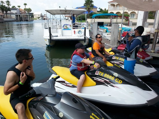 Parrot Eyes Watersports: Safety Briefing