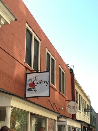 Early Girl Eatery: Exterior