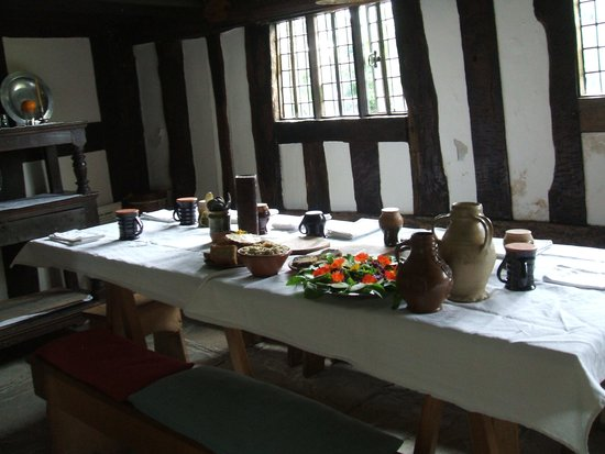 Mary Arden's Farm: Table laid for lunch