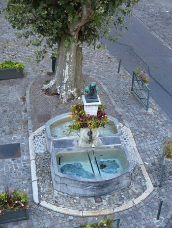 L'Hotel de France : The view from my sister's hotel room (next door to us)