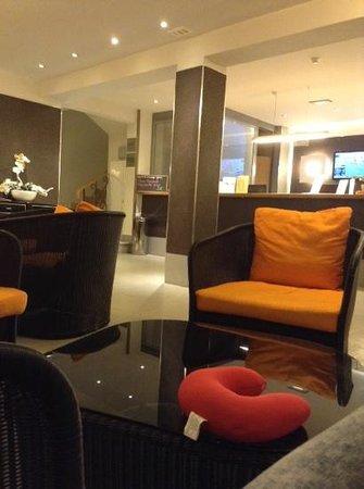Florencio Hostal : The relaxing lobby