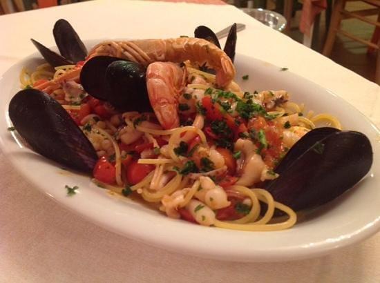 Re Ferdinando: spaghetti allo scoglio, ottimi.......